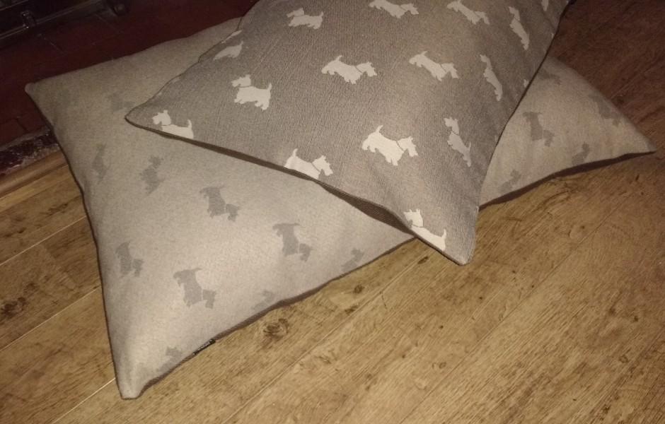 Scottie Dog Bed Mocha